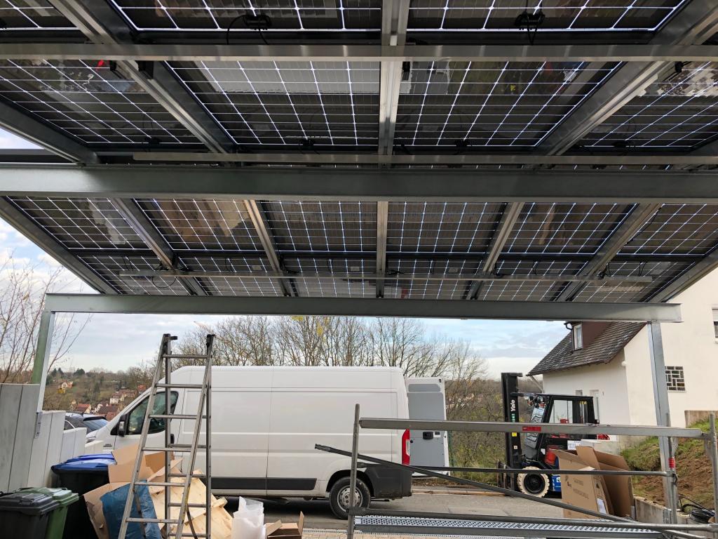 Soluwa Installiert Eine Sonderlösung Ecarport Facade Sample for Metal Carport Installation